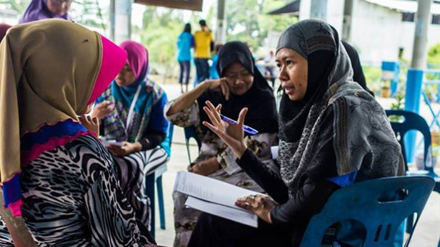 From DevEx: A volunteer in the USAID-supported ASEAN Youth Volunteer Program in Malaysia. What makes for a successful volunteer experience? Photo by: Bryan Quek Wei Hong / USAID Asia / CC BY-NC
