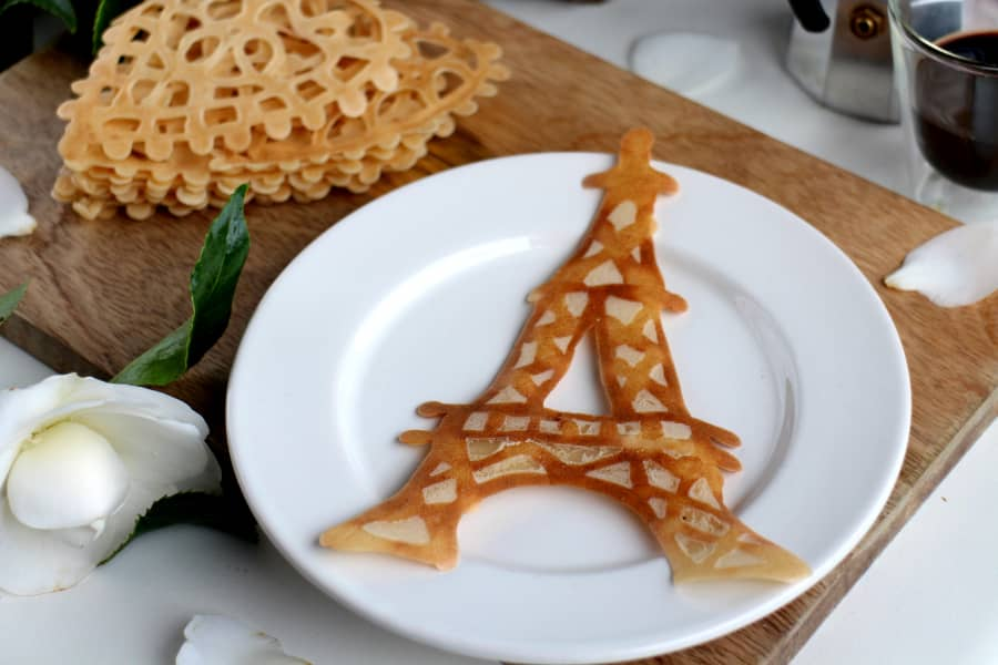 pacake Eiffel tower