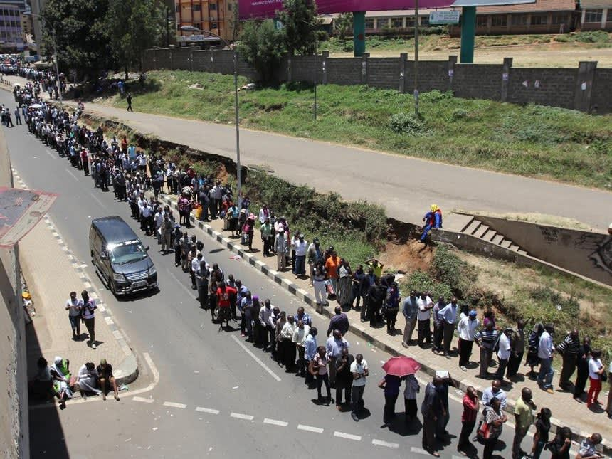Exemple of a long queue in Africa