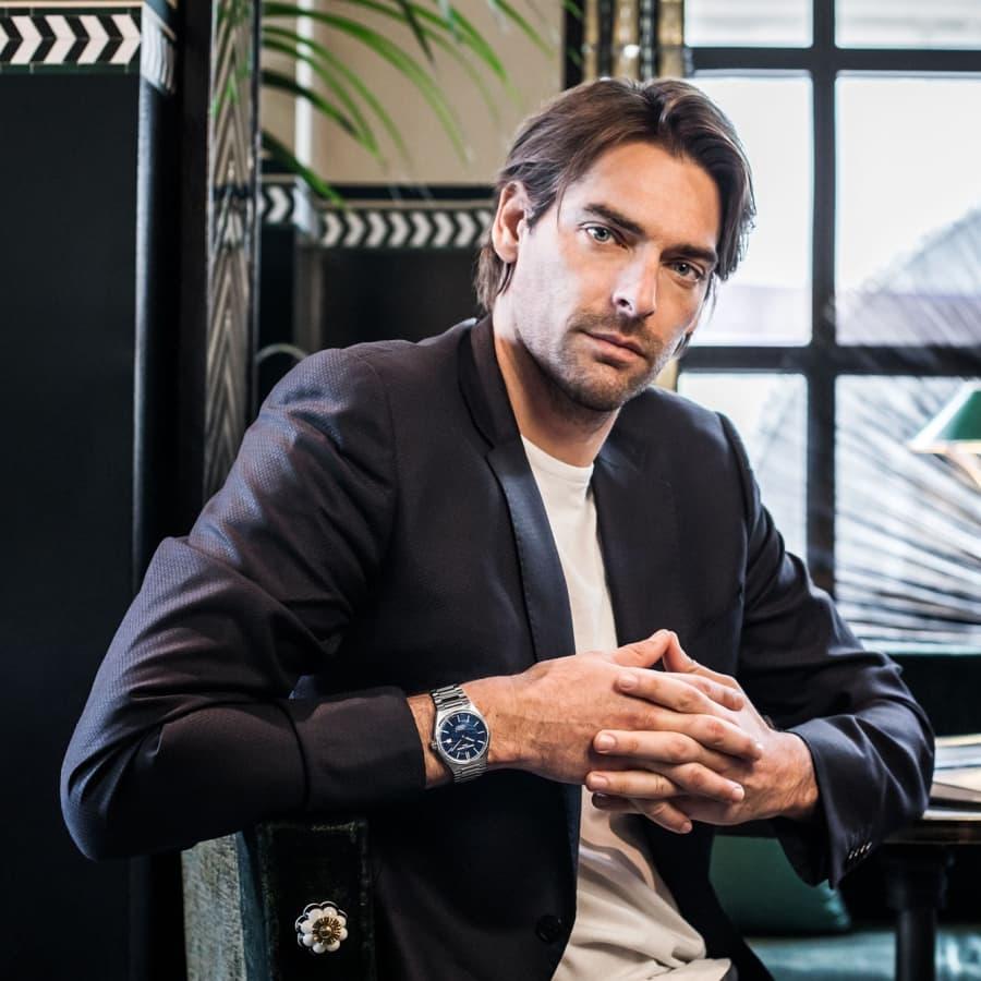 10 hãng đồng hồ cho nam trung niên được ưa chuộng nhất VN - Ảnh: 1