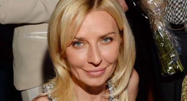 «Что вы качаете в свое лицо?»: 53-летняя Татьяна Овсиенко явно переборщила с пластикой