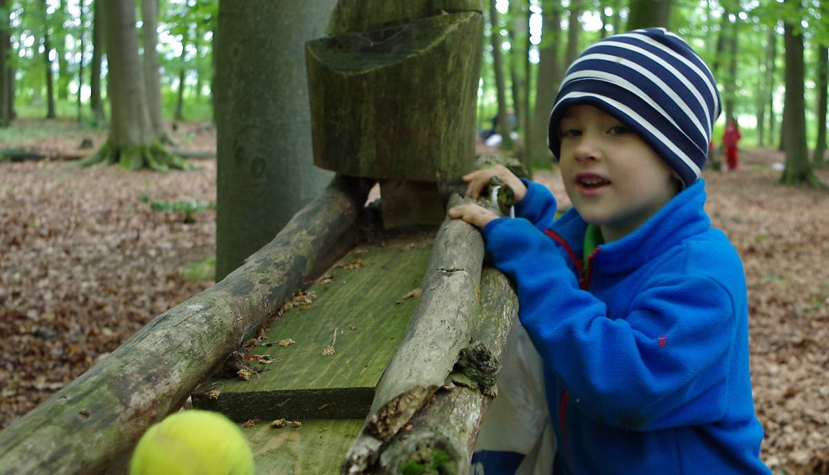 Bällebahn im Waldkindergarten