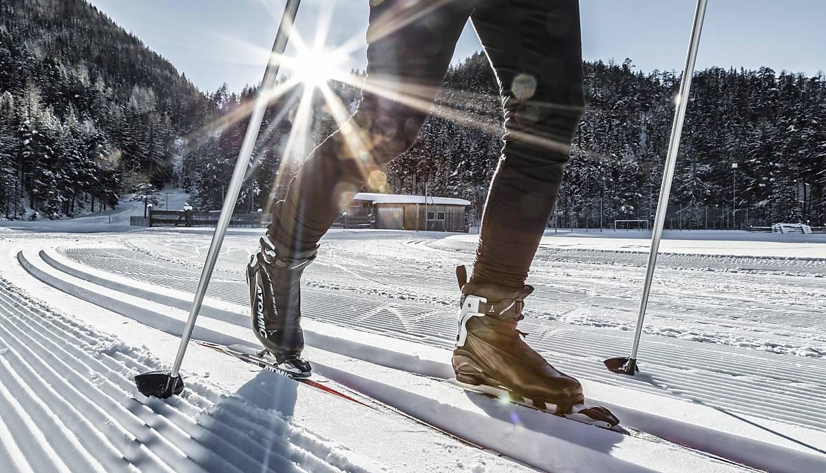 Langlauf im Winter, Ötztal, Tirol, Österreich, Europa - Bild-ID: 5066048 © imageBROKER.com / Christian Schneider