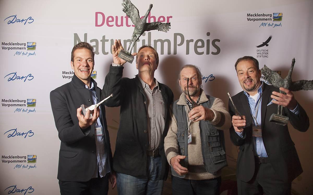 Preisträger des diesjährigen Darßer Naturfilmfestivals: Robert Morgenstern, Henry M. Mix, Jan Henriksson, Jan Haft (von links nach rechts).