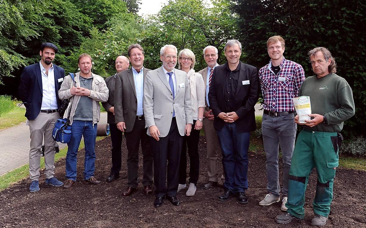 Startschuss des Wildbienenprojektes auf dem Ohlsdorfer Friedhof 2015