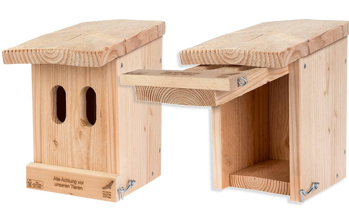 Nisthilfe für Halbhöhlen- oder Nischenbrüter. Einfluglochgröße: 2x B32mm x H60mm. Typische Bewohner sind Bachstelze, Haus- und Gartenrotschwanz, Grauschnäpper.