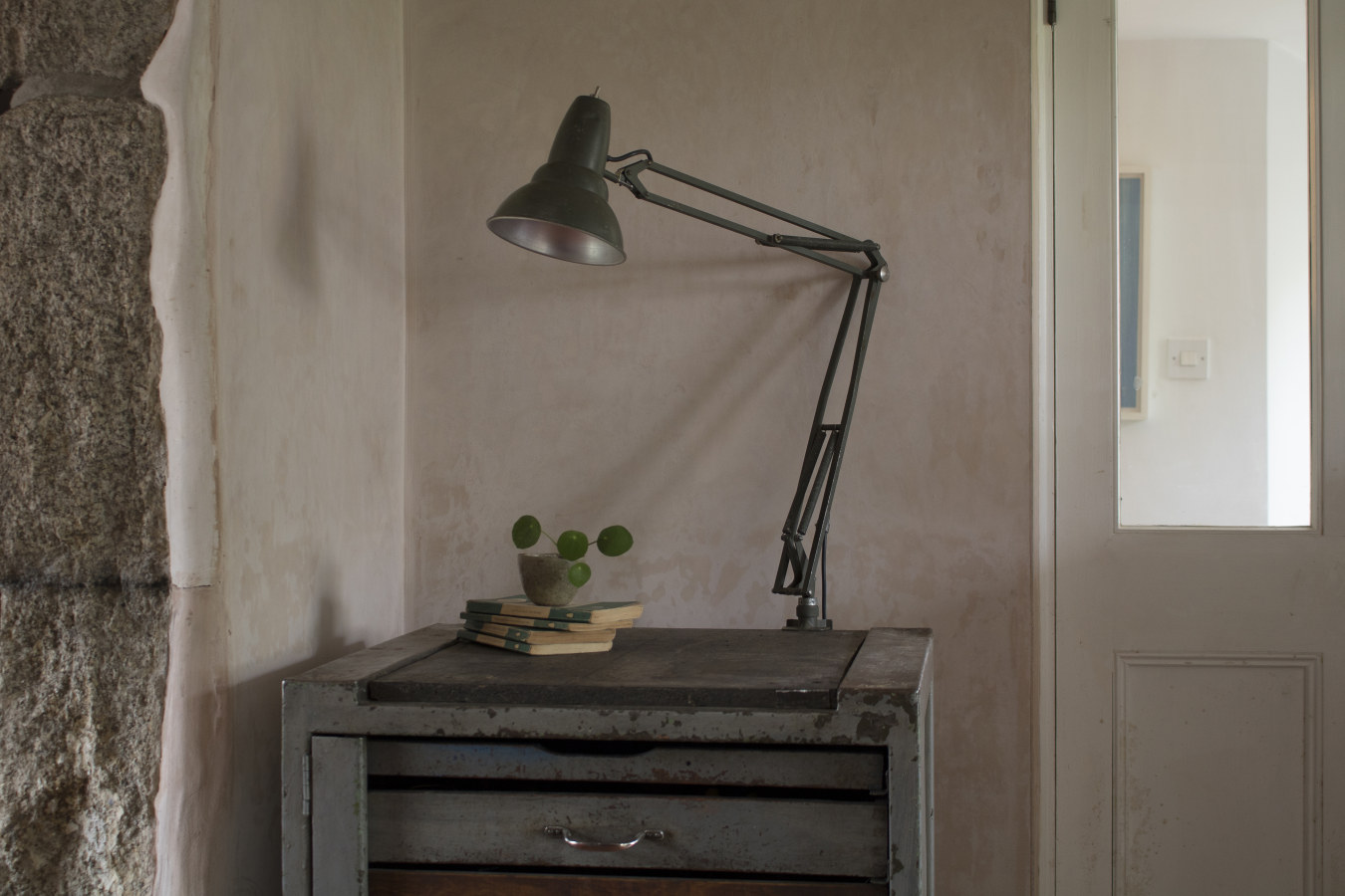 skinflint reclaimed industrial sweedish desk lamp side table