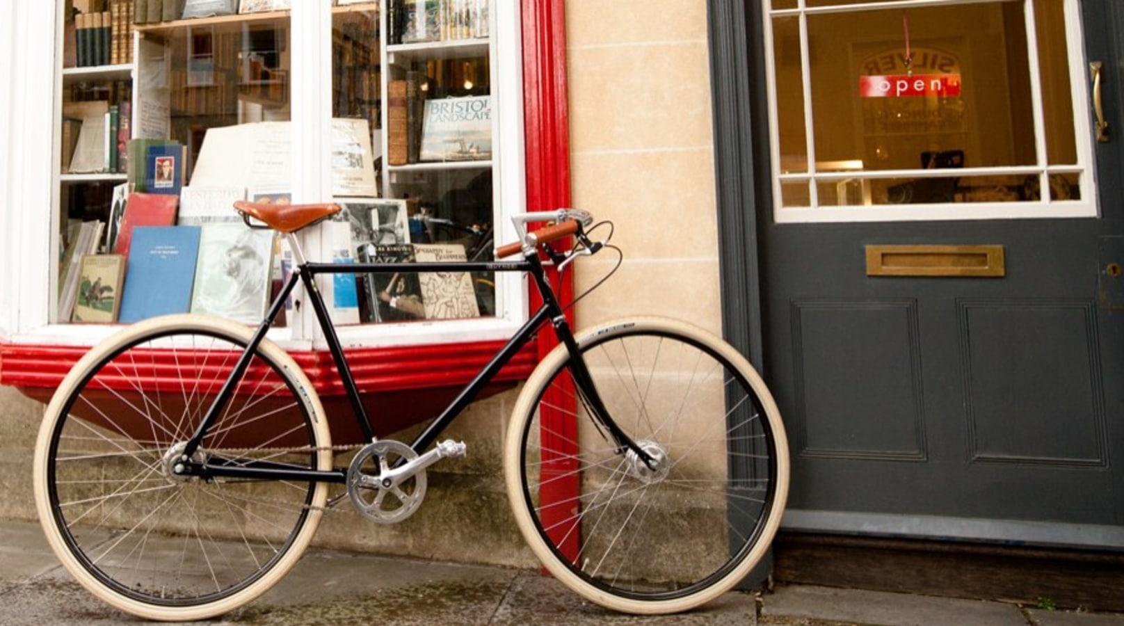 Pahsley  guvnor bike outside a british post office