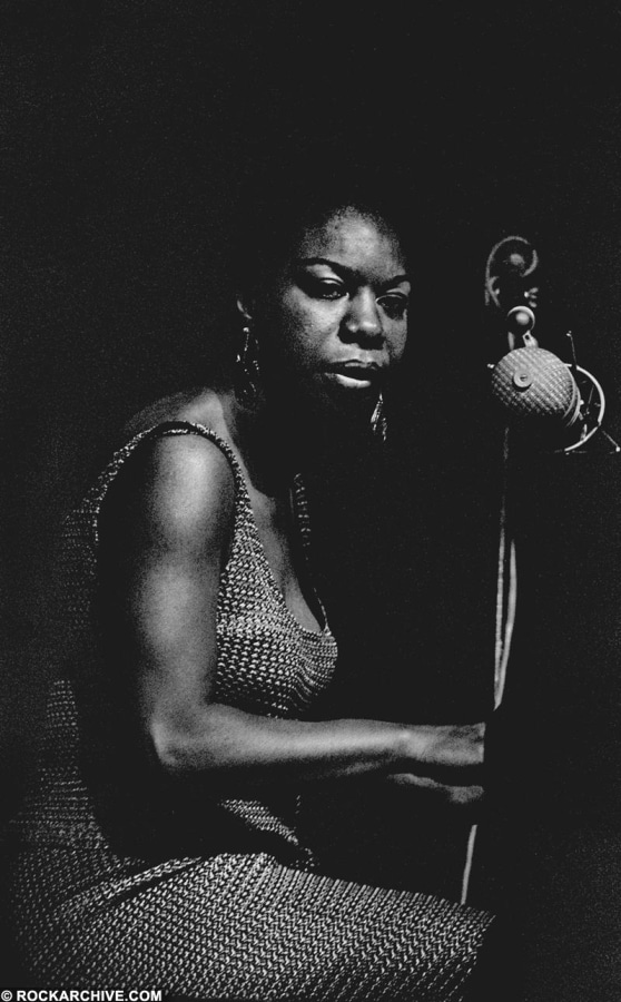 Rockarhive.com photo of Nina Simone in black in white