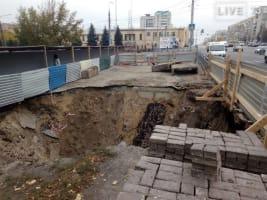 Улица Минаева уходит под землю