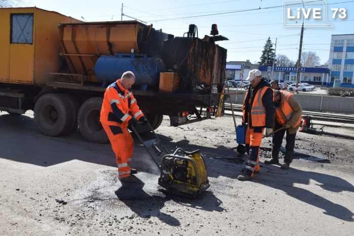 За день в Ульяновске отремонтировали 795 м² дорог