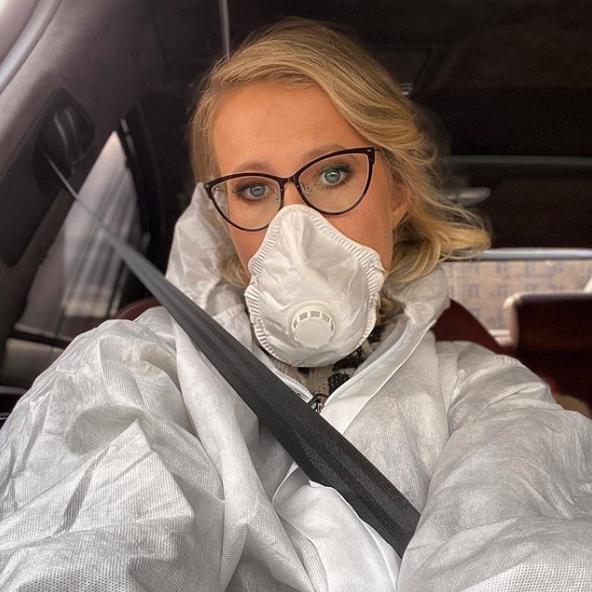 Ксения Собчак назвала Боню тупой за ее конспирологические теории о коронавирусе