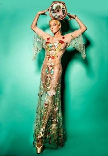 Настя Волочкова показала, как выглядит в прозрачном платье
