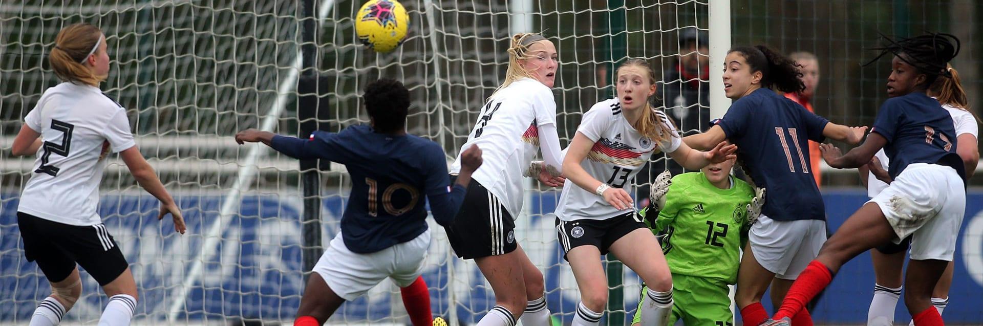 Die DFB U 17-Juniorinnen im Spiel gegen Frankreich