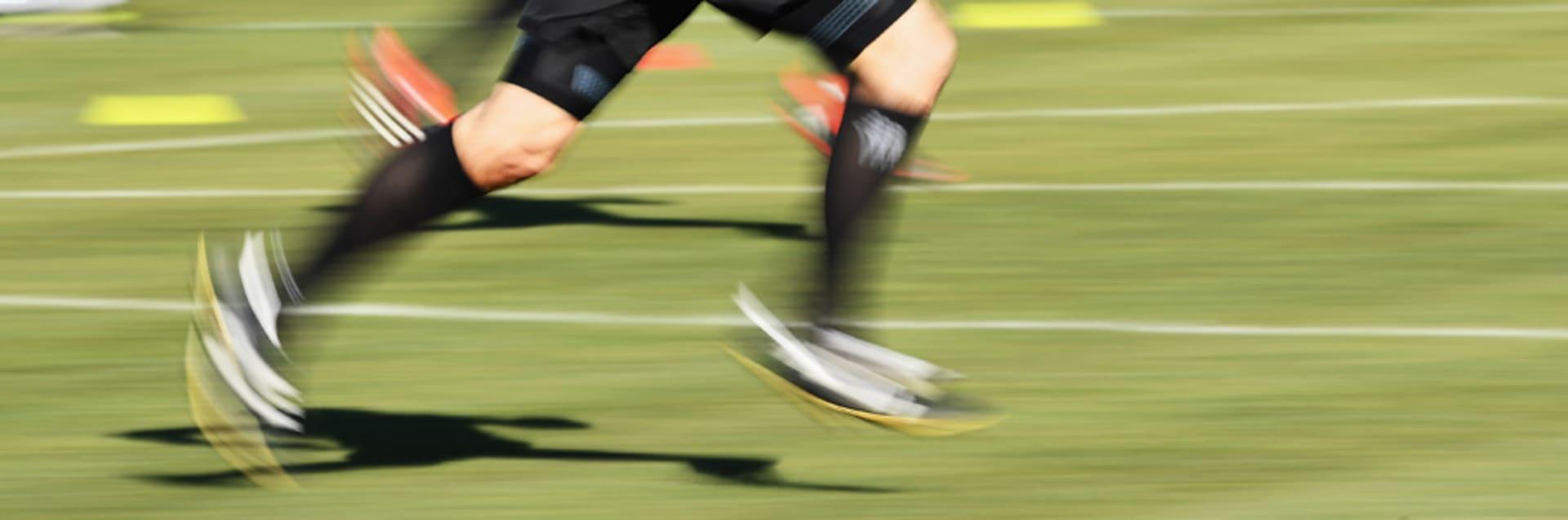 Sprinttraining, das selbstständig auf dem Platz durchgeführt werden kann.