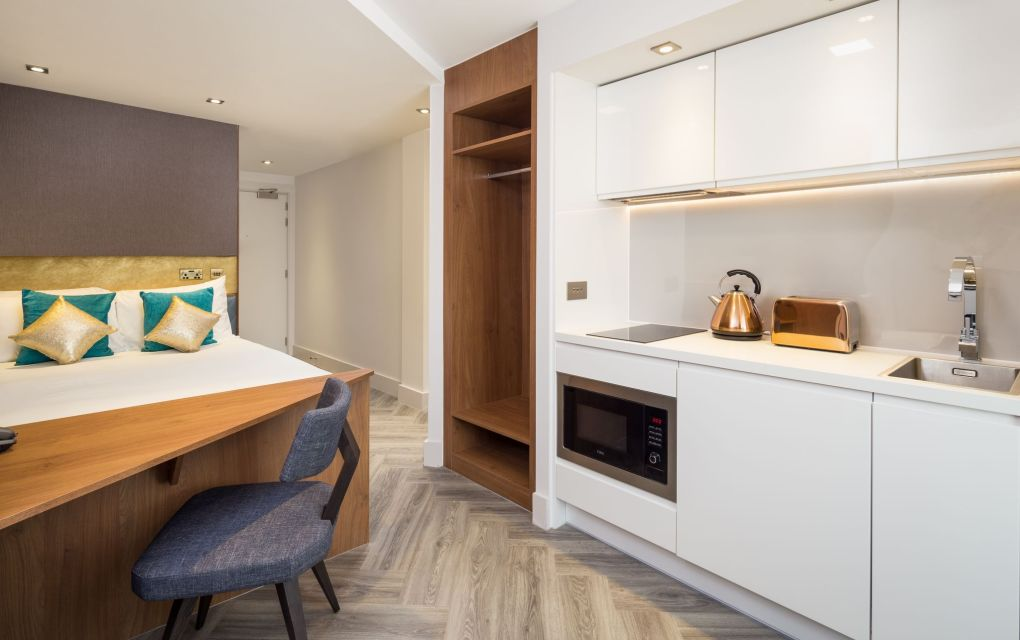 Neo Studio Student Apartment in London. King Size Bed and Kitchen. IconInc @ Roomzzz