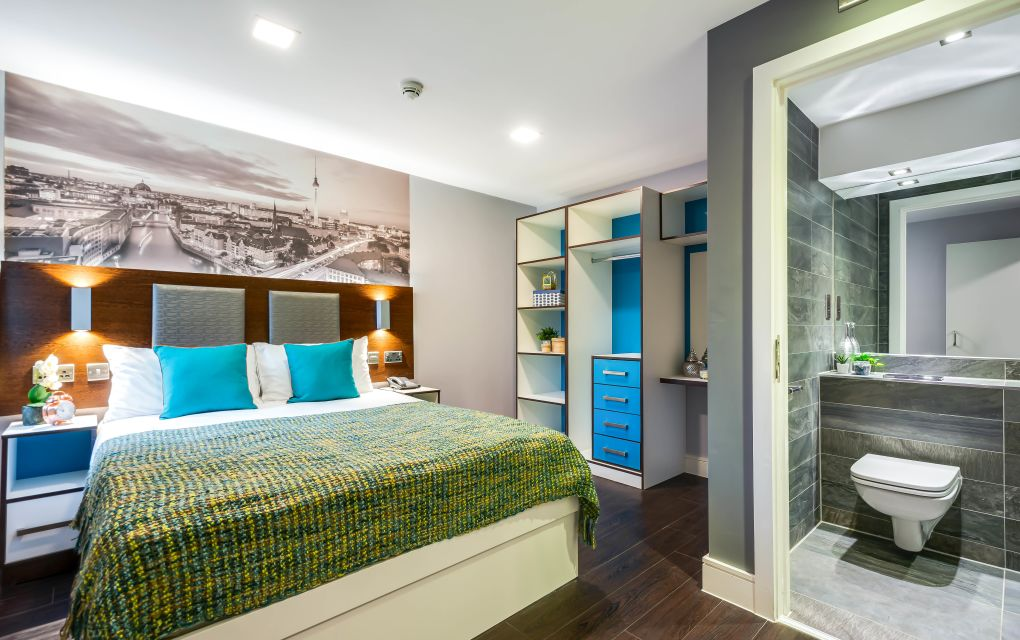 Grande Student Apartment in Leeds with king size bed, and en-suite bathroom. IconInc, The Edge