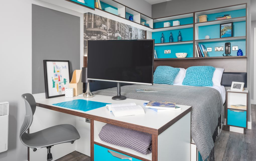 Smart Student Apartment in Liverpool with king size bed and desk. IconInc The Ascent
