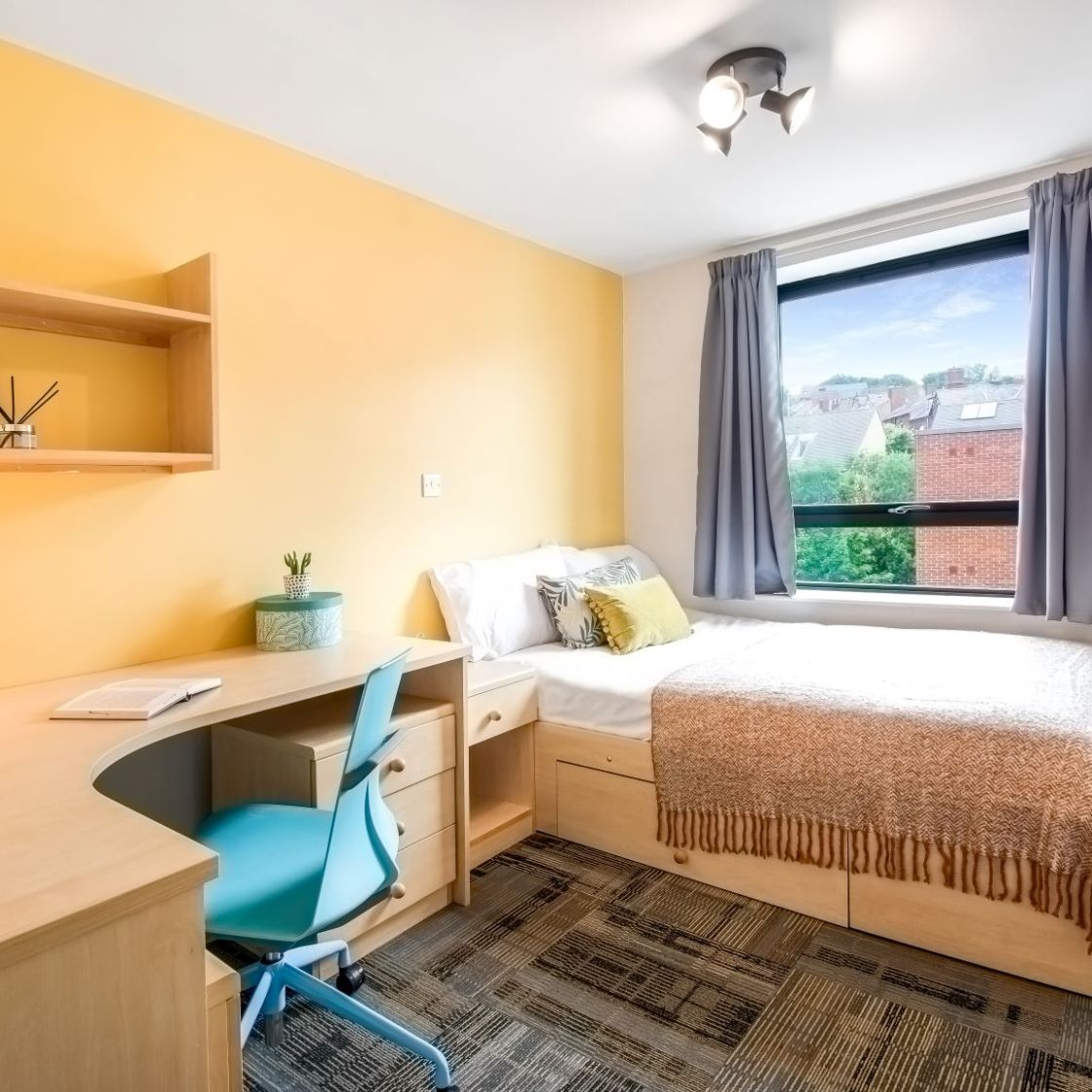 Student Apartment in Leeds, Standard Bedroom with Double bed and desk. IconInc, Triangle