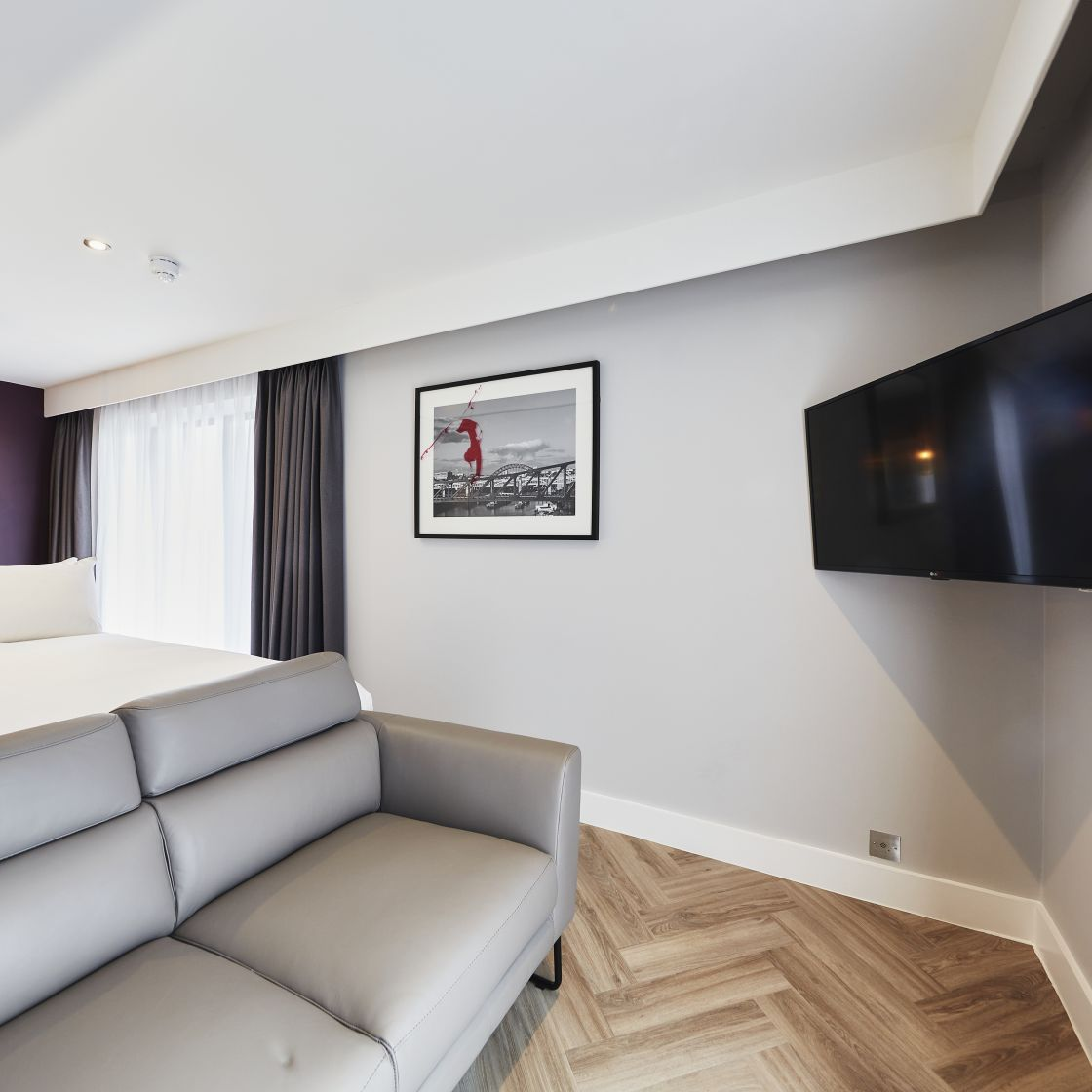 Neo Studio Student Apartment in Newcastle. King Size Bed, Sofa and TV. IconInc @ Roomzzz