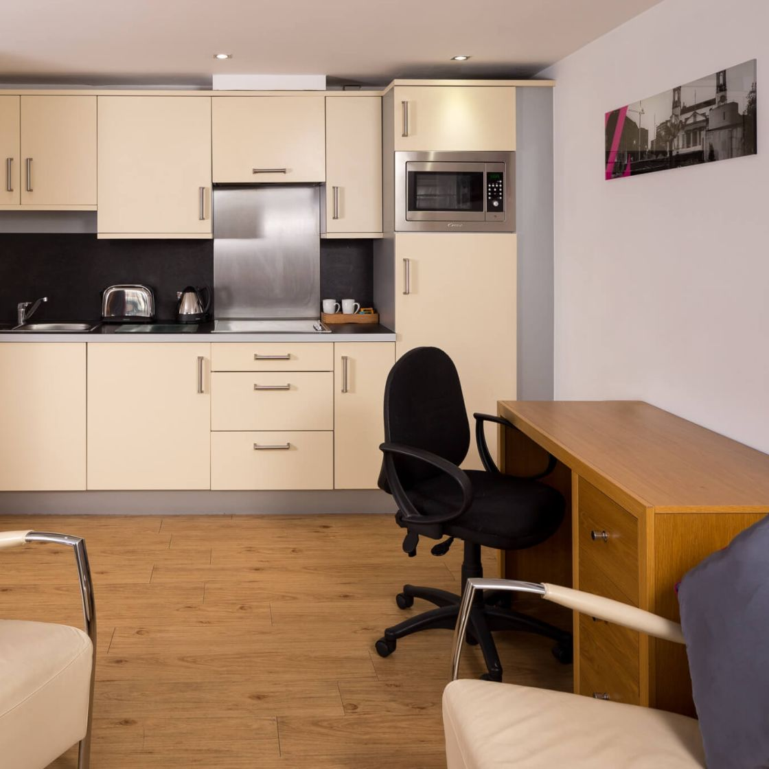 Grande Studio Student Apartment in Leeds with Kitchen and Desk. IconInc @ Roomzzz Leeds City West
