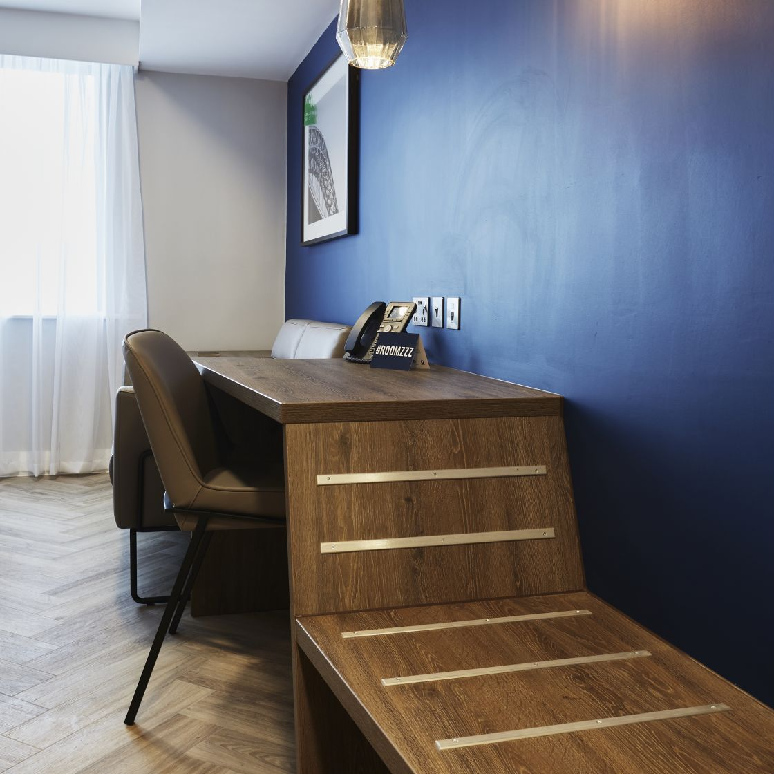 Smart Studio Student Apartment in Newcastle with Desk and study space. IconInc @ Roomzzz