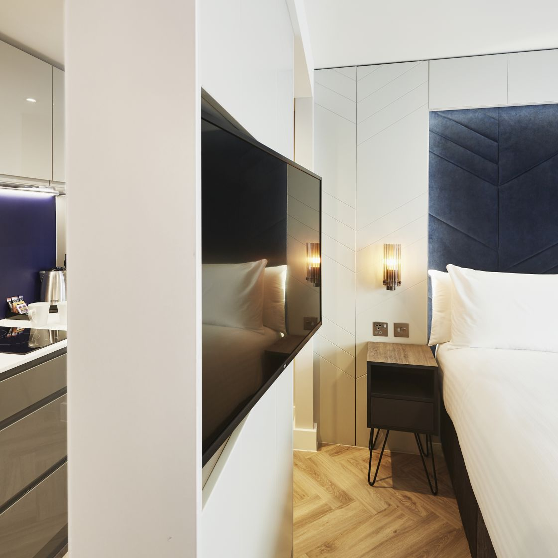 Smart Studio Student Apartment in Newcastle with Fully Equipped Kitchen. IconInc @ Roomzzz