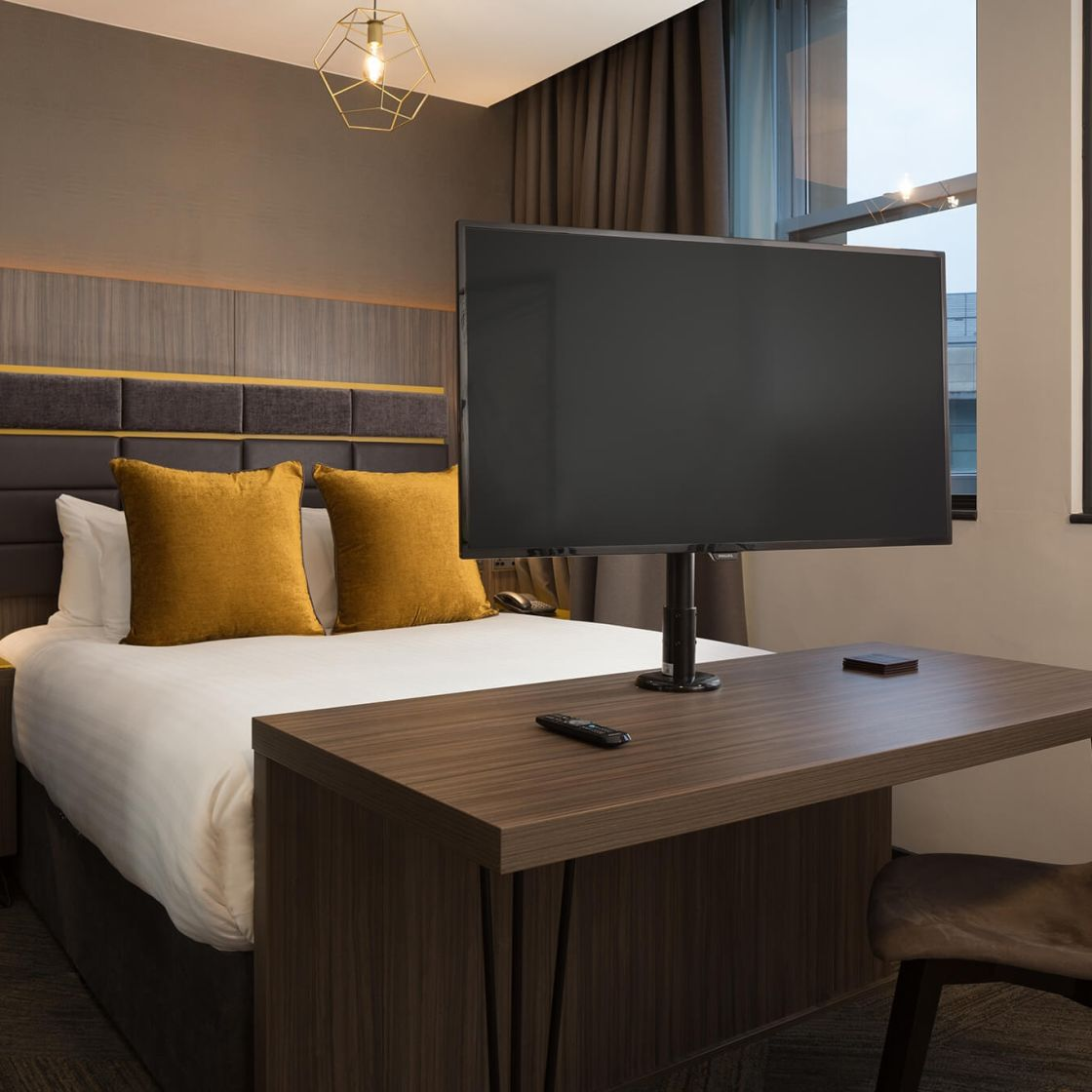 Smart Studio Student Apartment in Manchester with HD TV. IconInc @ Roomzzz