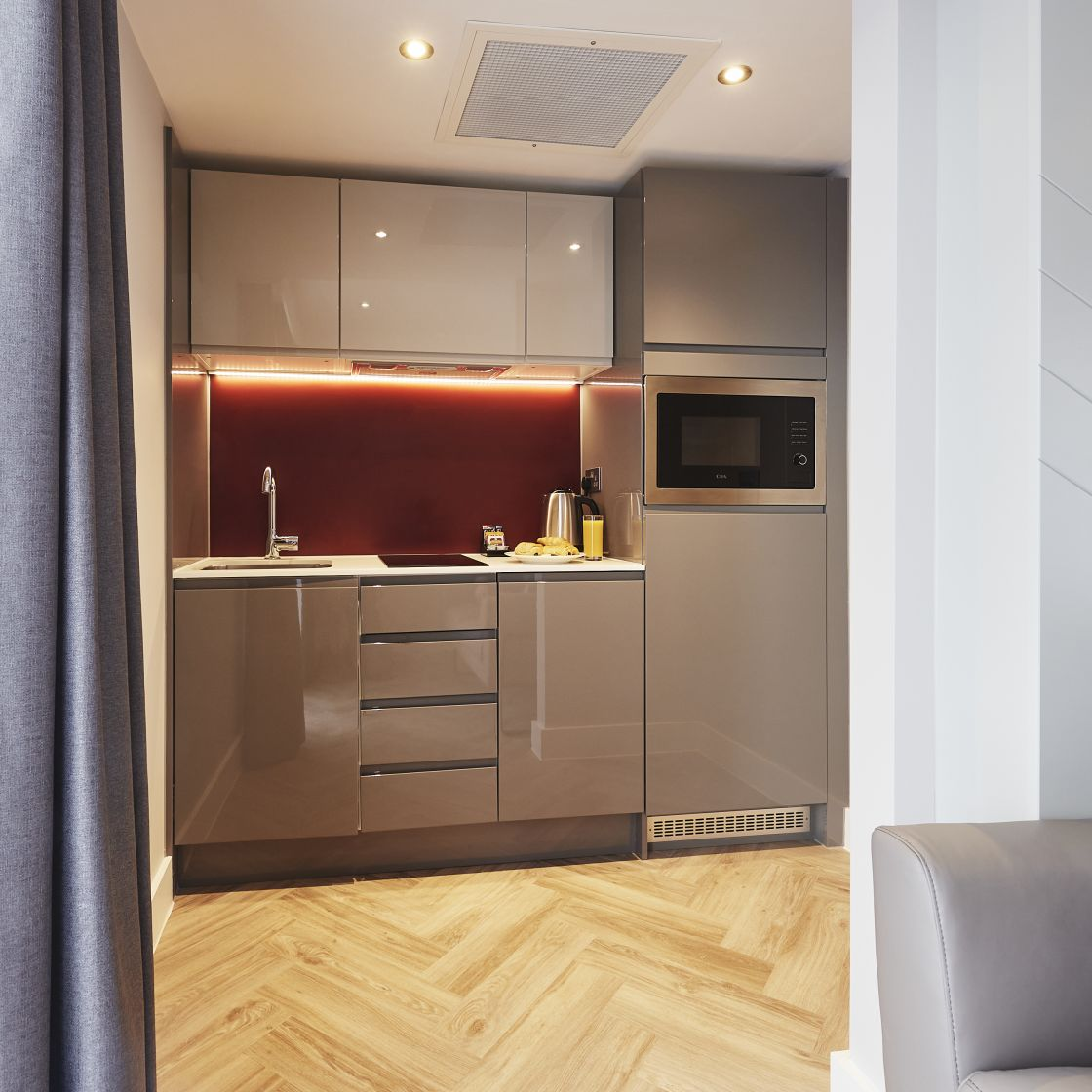 Neo Studio Student Apartment in Newcastle with Fully Equipped Kitchen. IconInc @ Roomzzz