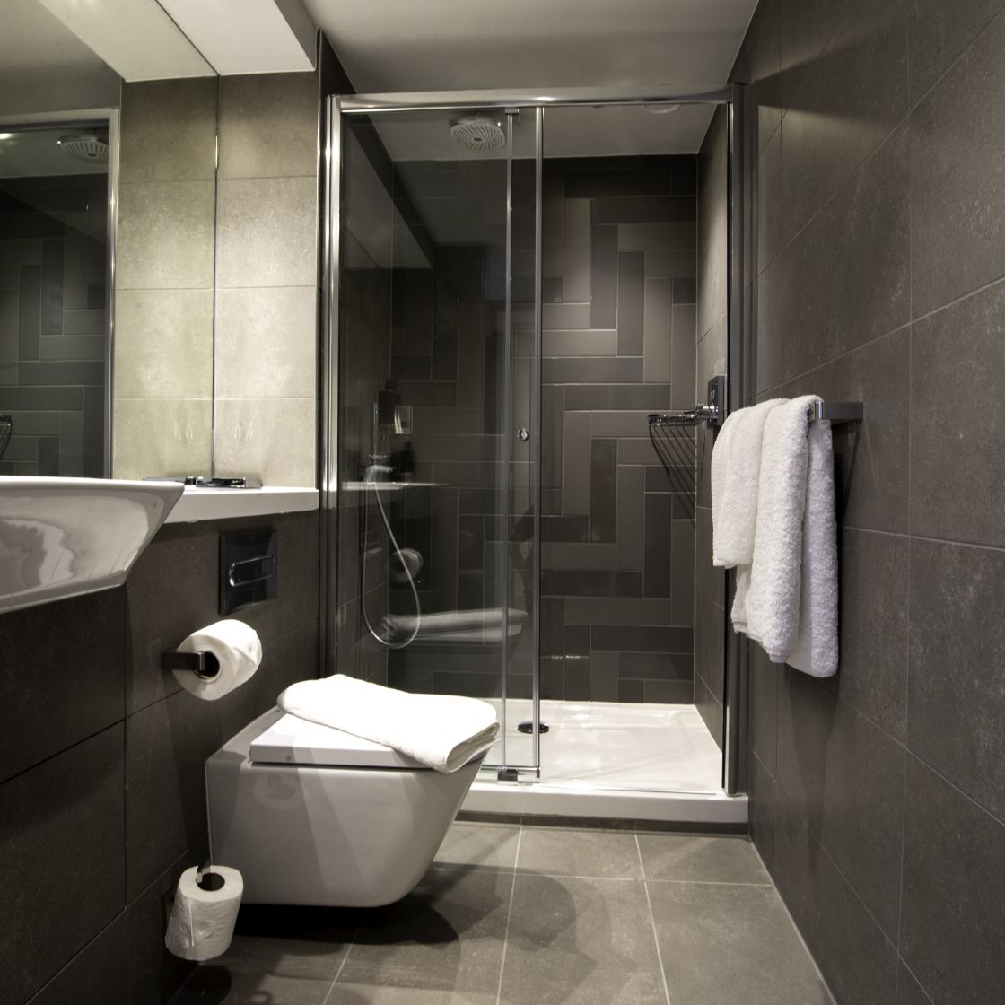 Studio Student Apartment in Newcastle. En-suite with rainfall shower. IconInc @ Roomzzz