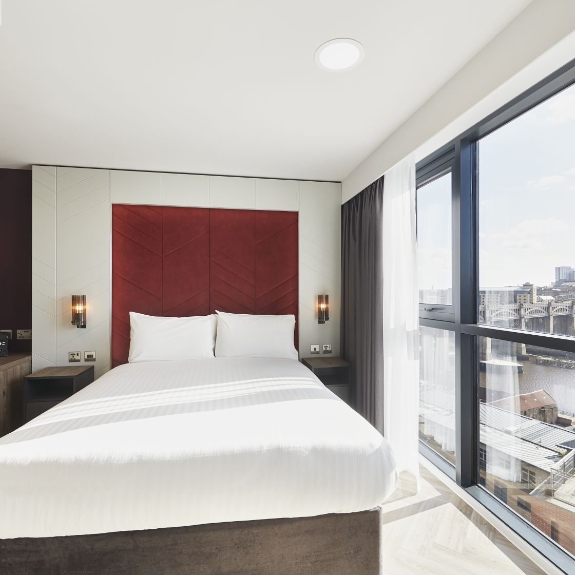 Smart Studio Student Apartment in Newcastle with King Size Bed. IconInc @ Roomzzz