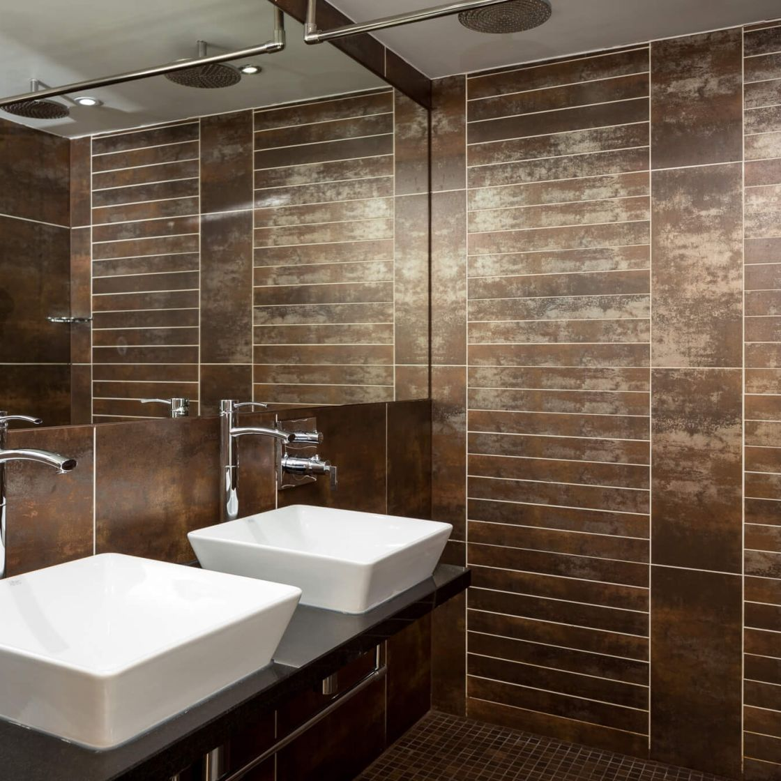 Student Apartment in Manchester En-suite with Rainfall Shower. IconInc @ Roomzzz