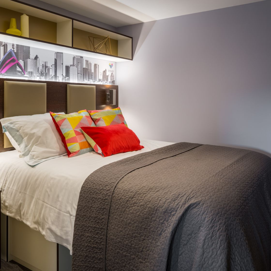Grande Student Apartment in Leeds with King Size bed. IconInc, The Glassworks