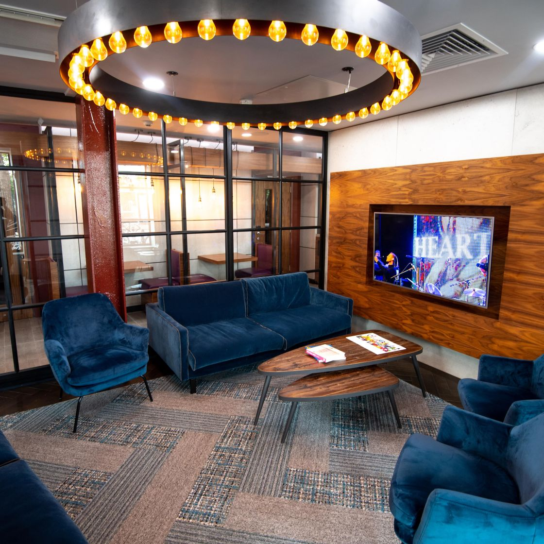 Reception Lounge at IconInc @ Roomzzz. Student Accommodation in London Stratford