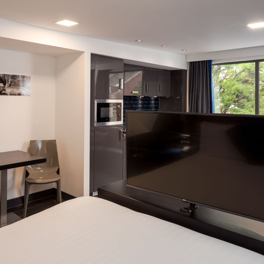 Smart Studio Student Apartment in Chester with fully equipped kitchen. IconInc @ Roomzzz