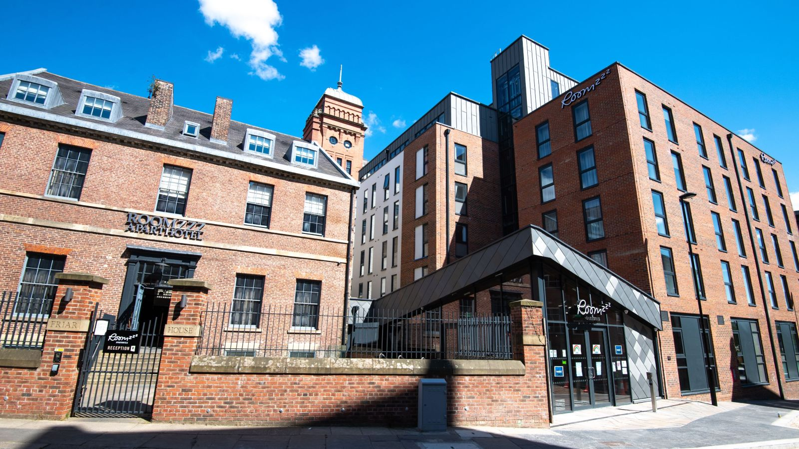 IconInc @ Roomzzz Newcastle external. Student Accommodation in Newcastle