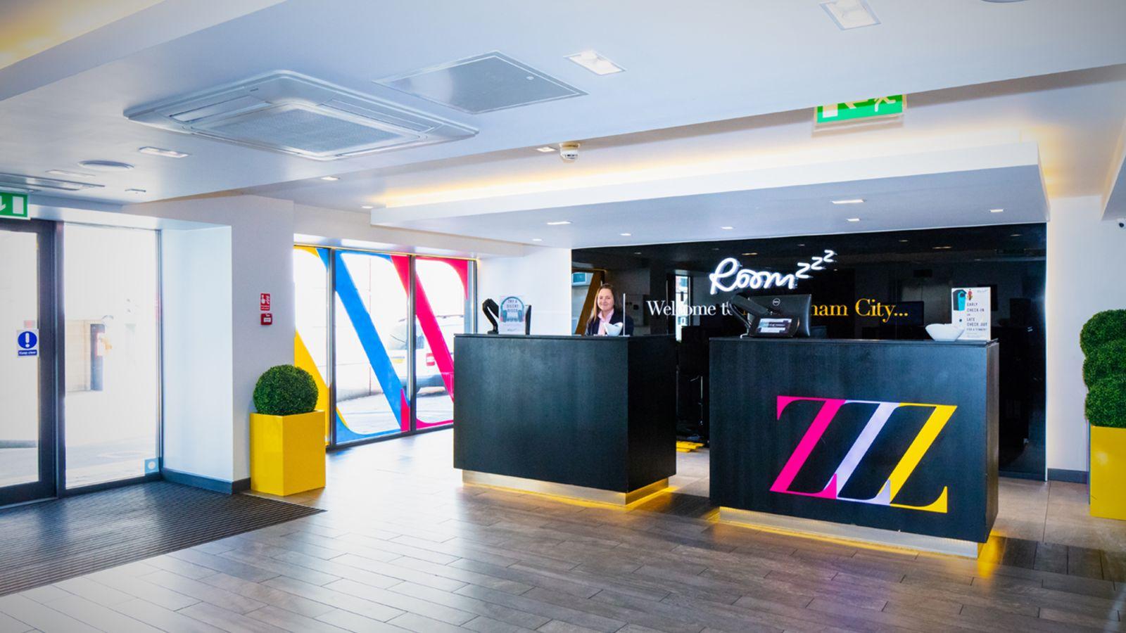 24 hour reception desk at IconInc @ Roomzzz Nottingham