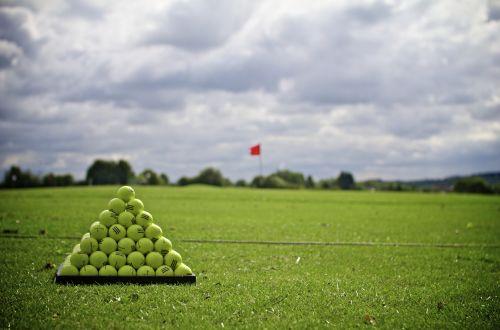 play golf in leeds