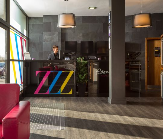 24 Hour reception desk at IconInc @ Roomzzz Leeds City West