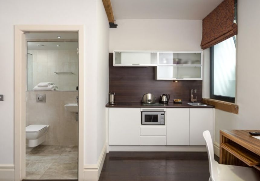 Smart Studio Student Apartment in Manchester. Fully Equipped Kitchen. IconInc @ Roomzzz