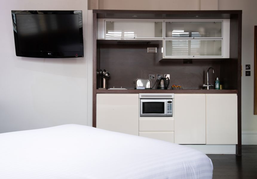Grande Studio Student Apartment in Manchester., Fully Equipped Kitchen. IconInc @ Roomzzz