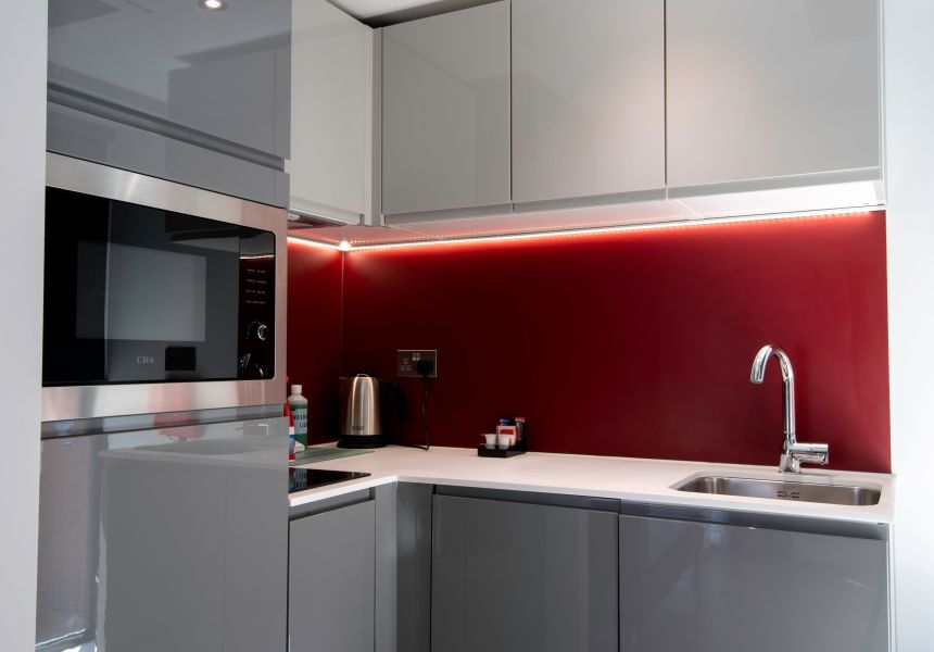 Student Apartment in Newcastle with fully equipped kitchen. IconInc @ Roomzzz Newcastle