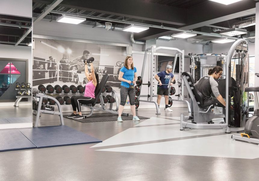 Students working out in the gym at IconInc, The Glassworks. Student Accommodation in Leeds