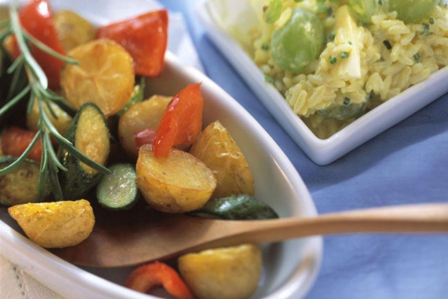 Salat aus Reis, Trauben & Schnittlauch (Low Carb)