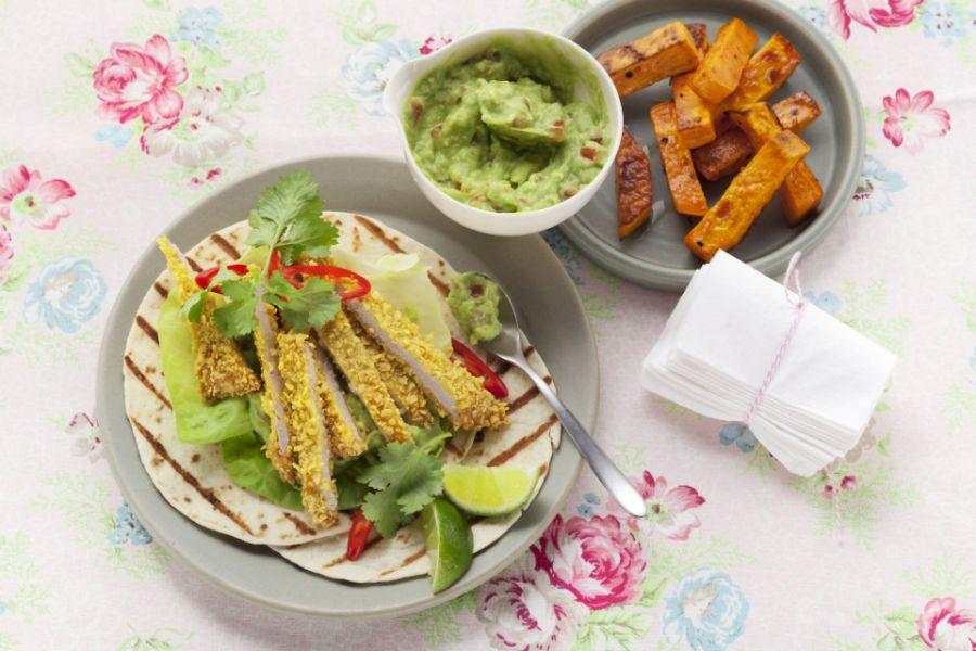 Schnitzel mit Knusperpanade und Guacamole