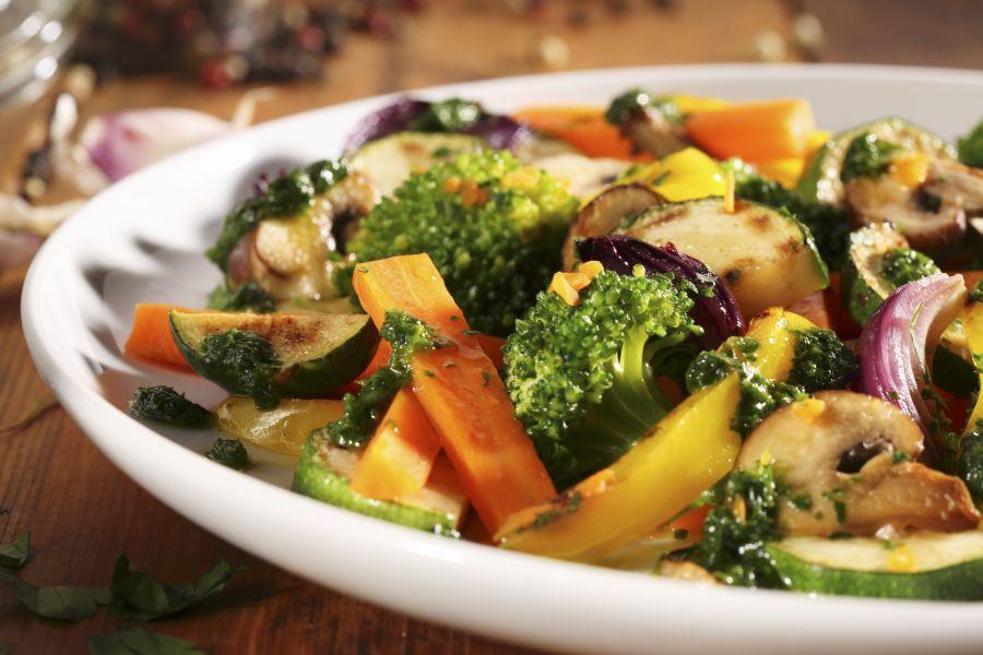 Bratgemüse mit Pilzen und Pesto