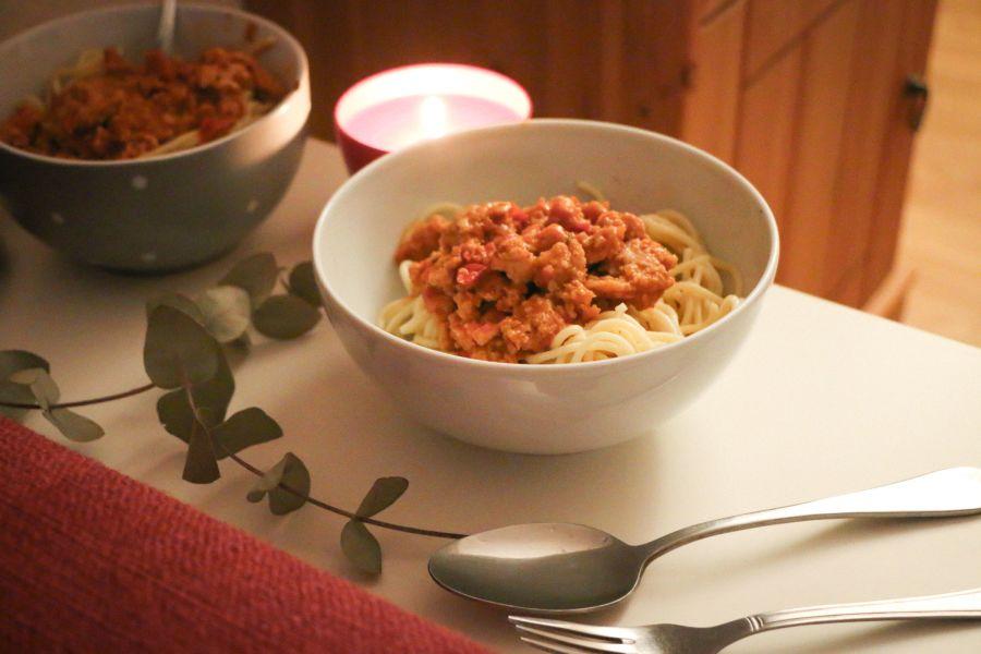 Vegane Spaghetti-Bolognese (Low-Carb)