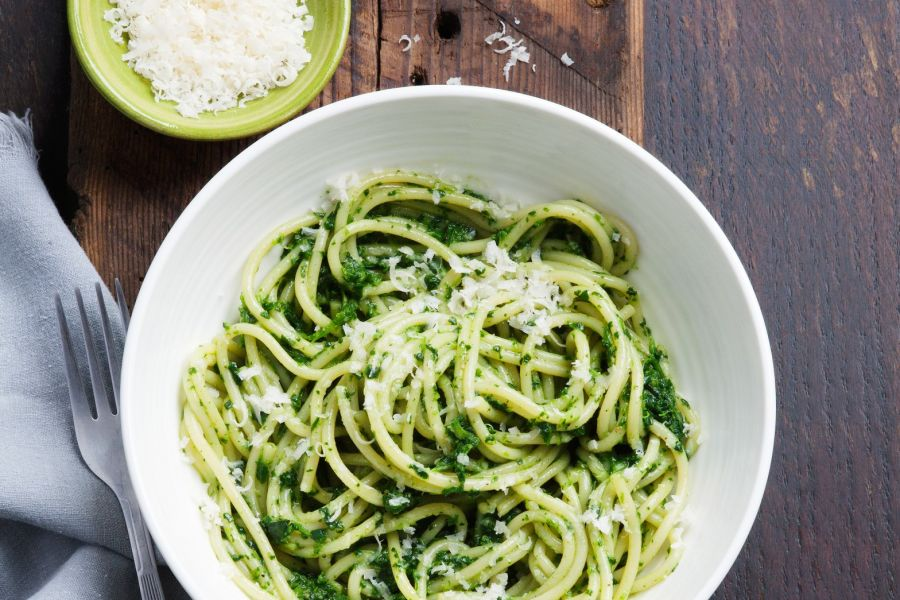 Spaghetti mit Spinat und Parmesan