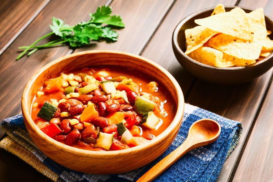 Buntes Gemüse-Chili mit Tofu