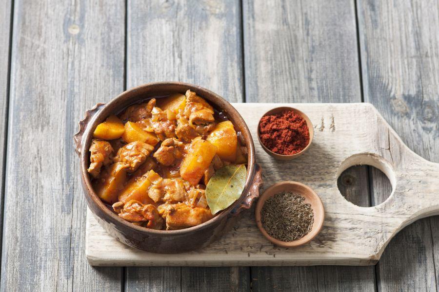 Hähnchen-Kartoffel-Gulasch